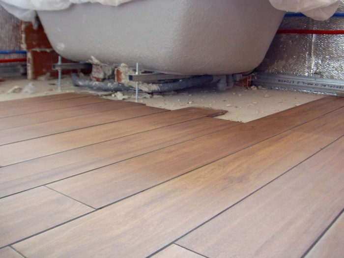 pavimentro-porcelanico-imitacion-madera-juntas