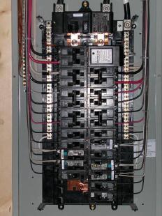 Panel-Upgrades-Montreal/Mises-à-niveau-de-panneaux-électriques-Montréal-005