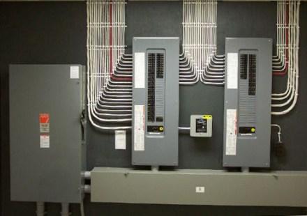 Panel-Upgrades-Montreal/Mises-à-niveau-de-panneaux-électriques-Montréal-006