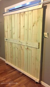 DIY: make your own sliding barn doors on a budget! - NovaturientSoul.com