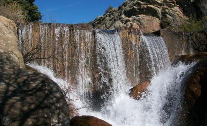 Presa de Los Almorchones, Navacerrada. Viaje de fin de curso multiaventura con la agencia de viajes NovaWays