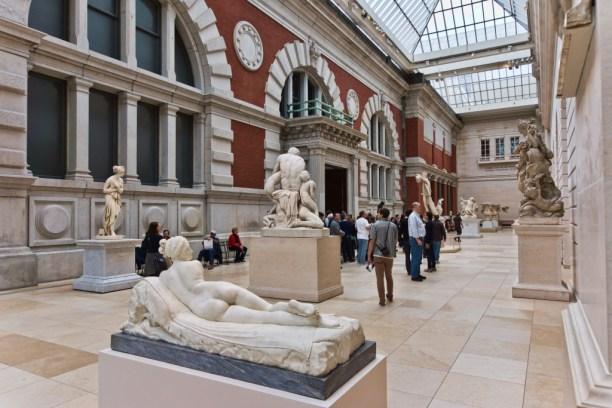 NYC_-_Metropolitan_Museum_-_Carroll_and_Milton_Petrie_European_Sculpture_Court