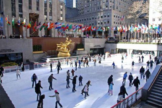 Pista de patinação no gelo no Rockefeller Center
