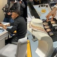 Wizkid Spends Millions Of Naira On VVS Diamonds In London