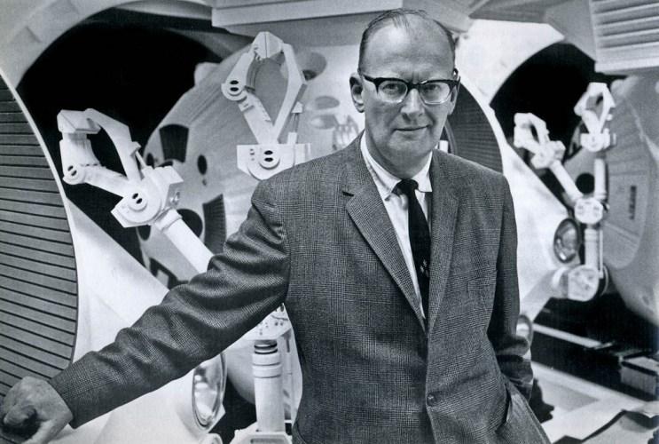 Arthur C.Clarke en 1965 noviembre nocturno la estrella radioficción