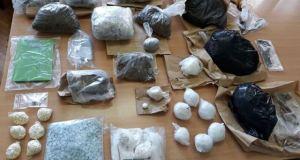 Zaplenjeno 6 kg narkotika i uhapšeno 12 osoba; Foto: MUP, PU Niš