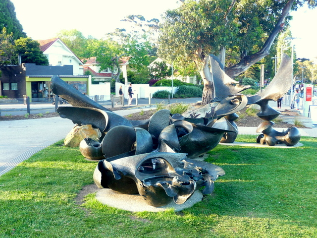 Tidal Pools, Stephen Walker 1970. Bronze sculpture, originally located at Mawson Place, Sullivan's Cove, but moved to Sandy Bay Beach in 2013