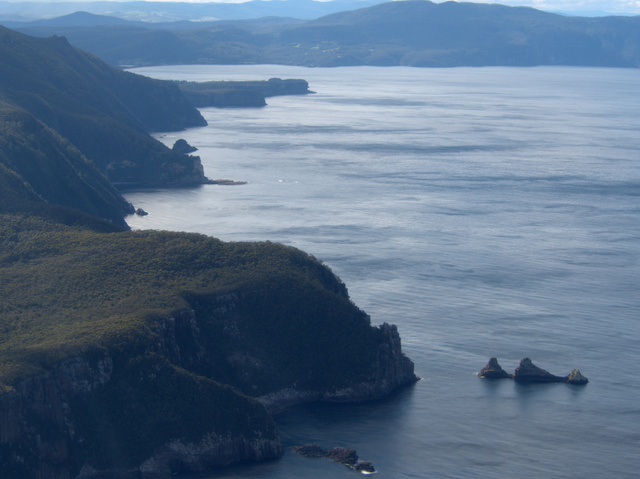 The view north from Fortescue Bay to Eaglehawk Neck