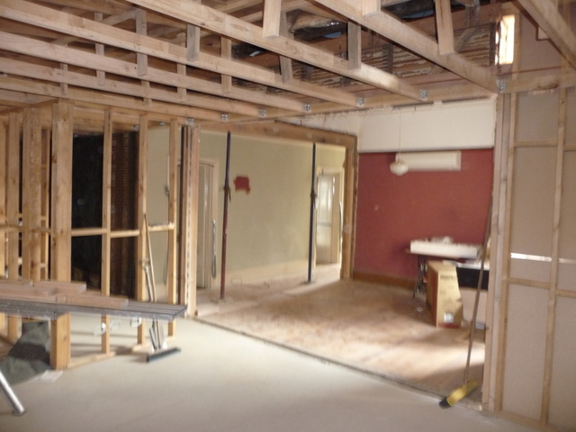 Looking back from dining room through the lounge and hallway