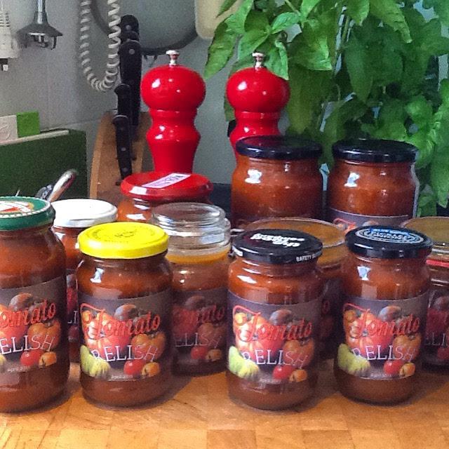 Bottled tomato relish