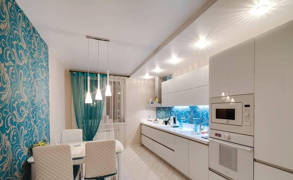натяжные потолки на кухню фото дизайн на маленькую кухню 6
