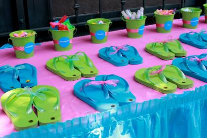 birthday party teen parties decorations teens tween bollywood surf favors flip decorate flops decoration teenager pool cool summer lifestyles diary