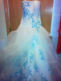 teal wedding dress accents