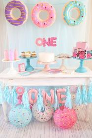 party birthday donut theme 1st themes themed table fun donuts decorations trendy parties doughnut cute cakes orientaltrading supplies easy