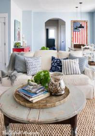 lake cottage decorating interiors tour rustic 4th lakehouse homes thelilypadcottage dizzyhome houses soundtrack cottages area dining country farmhouse 99architecture bedrooms