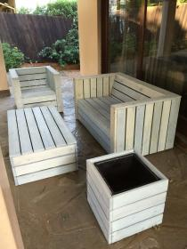 Pallet wood patio furniture set (How To Build A Shed Out