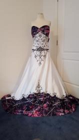 camo muddy camouflage pink dresses accent gown purple anita accents country redneck embroidery satin weddings unique gowns prom cake lace