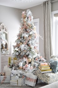 christmas bedroom tree master gold rose tour decorations flocked interiors trees xmas roses stylehouseinteriors javascript turn pretty