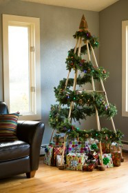 tree christmas alternative wooden diy wood modern decorated garland option branches emerged those