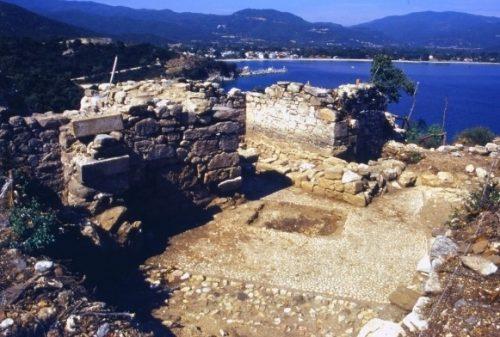 В Греции обнаружена гробница Аристотеля