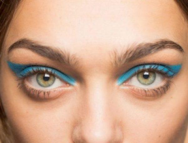 Яркие цветные стрелки - идеальный макияж на лето