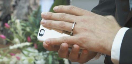 В США мужчина женился на iPhone 6S
