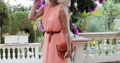 20 ярких летних платьев для женщин, которым за 40