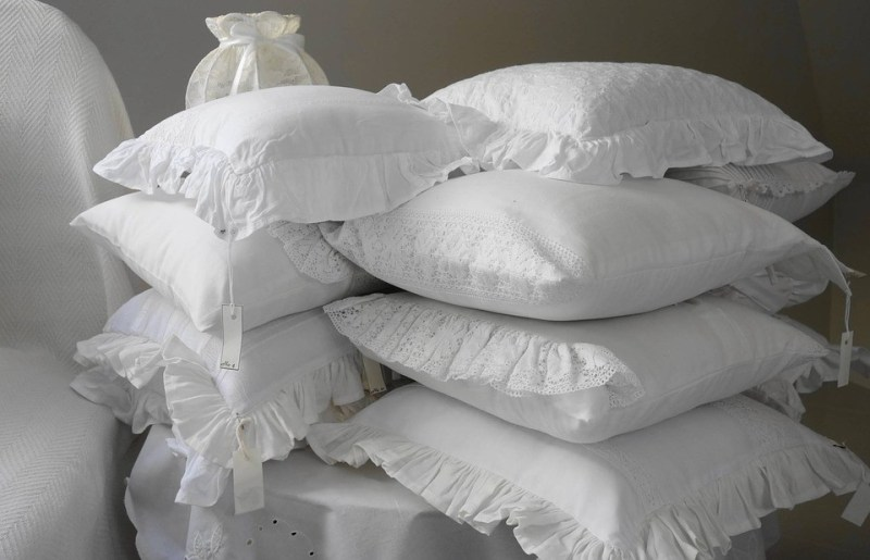 Как постирать подушку в стиральной машине?