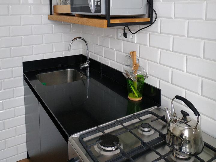 Самая безрассудная и дорогая покупка — каменная столешница. Как мы делали кухню
