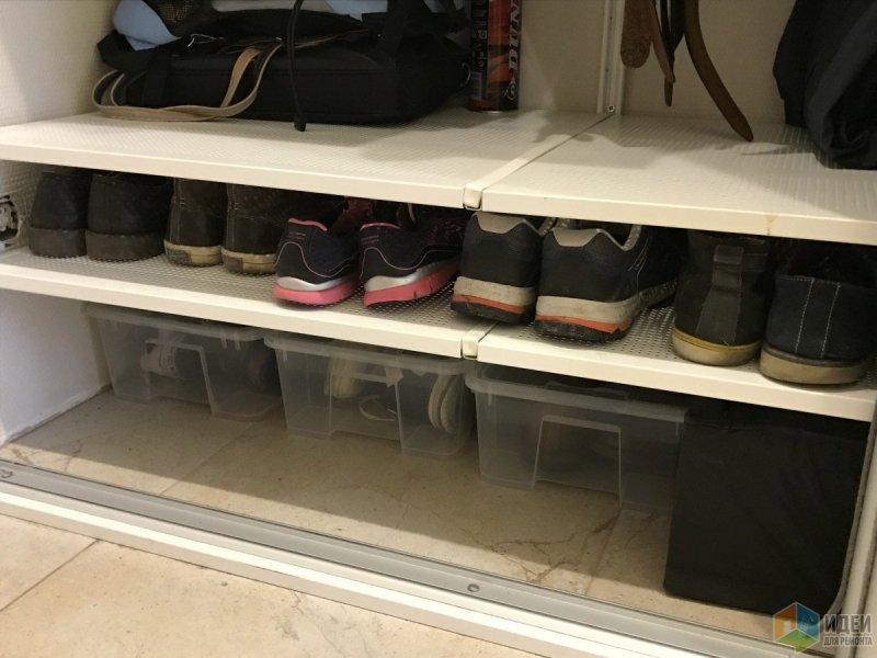 полка с обувью