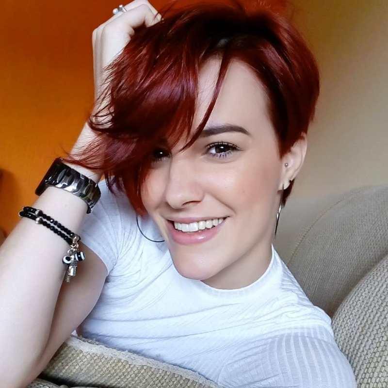 короткие стрижки для рыжих волос фото 13