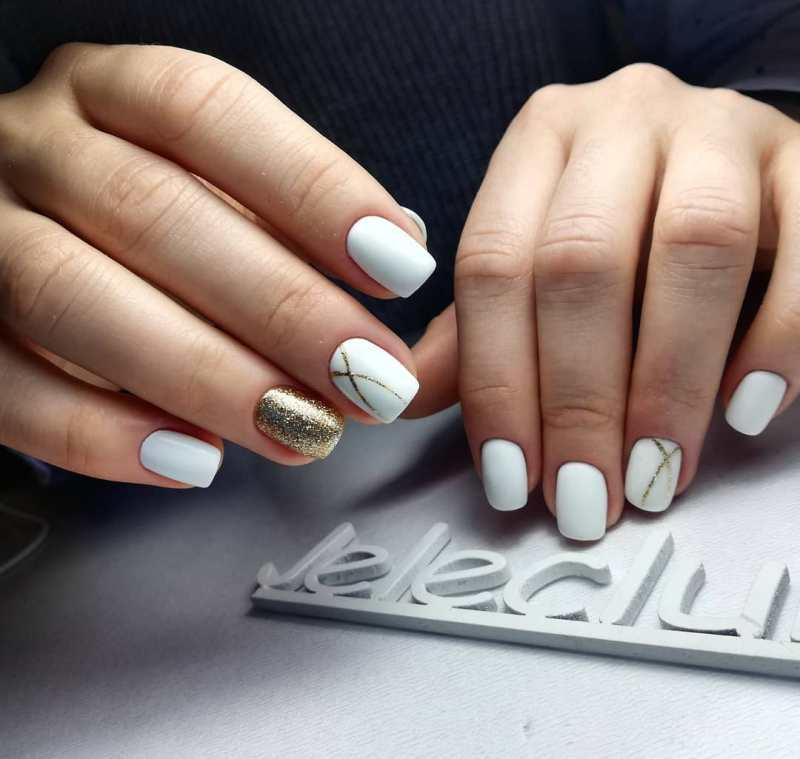 белые короткие ногти 2019_2