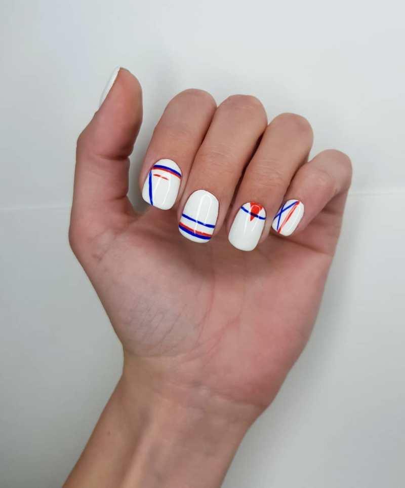 белые короткие ногти 2019_16