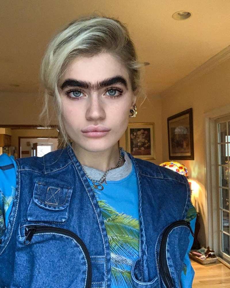 София Хаджипантели — модель, которая покорила Сеть своими бровями