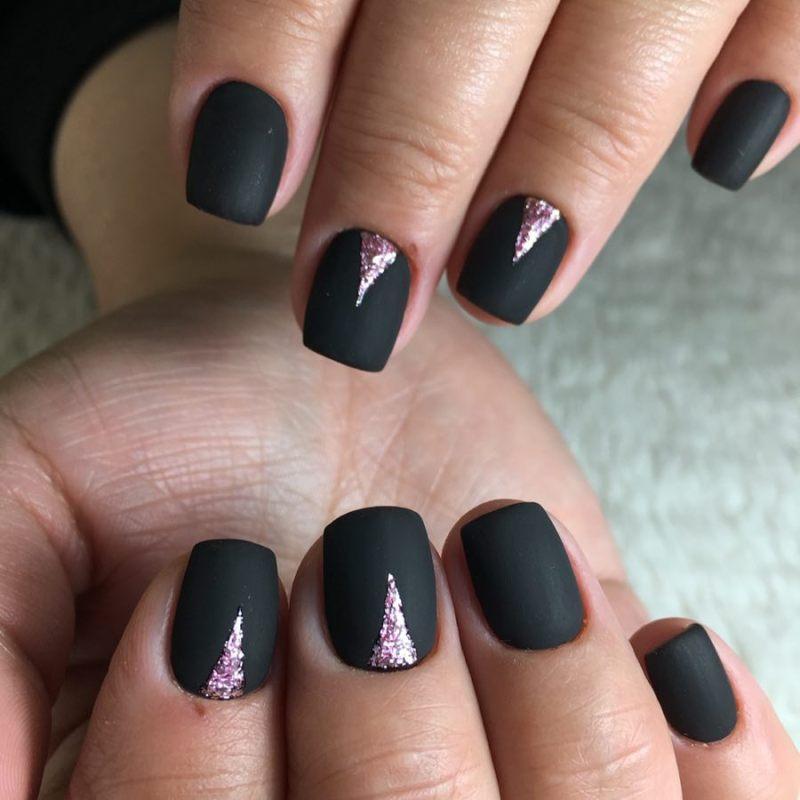 короткие темные ногти_23