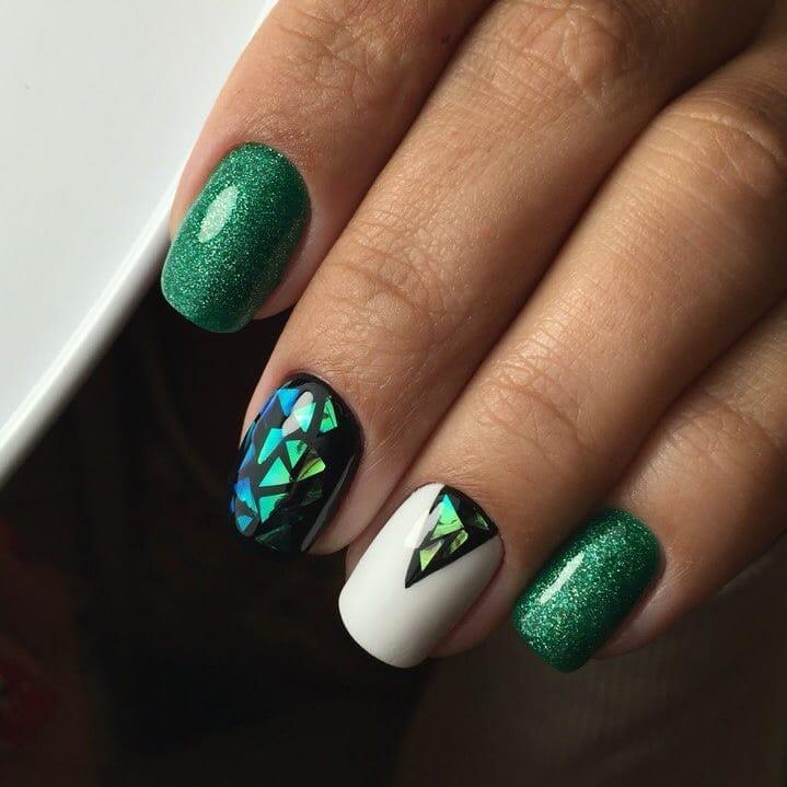короткие темные ногти_6