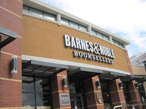 exterior_of_barnes__noble_tanforan