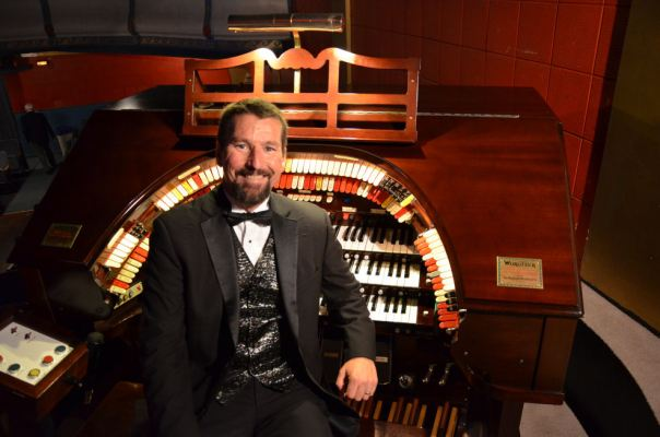 Dave Wickerham returns for the Mighty Wurlitzer Organ holiday concerts at the Grand Rapids Public Museum.