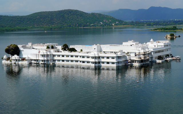 Le Lake Palace