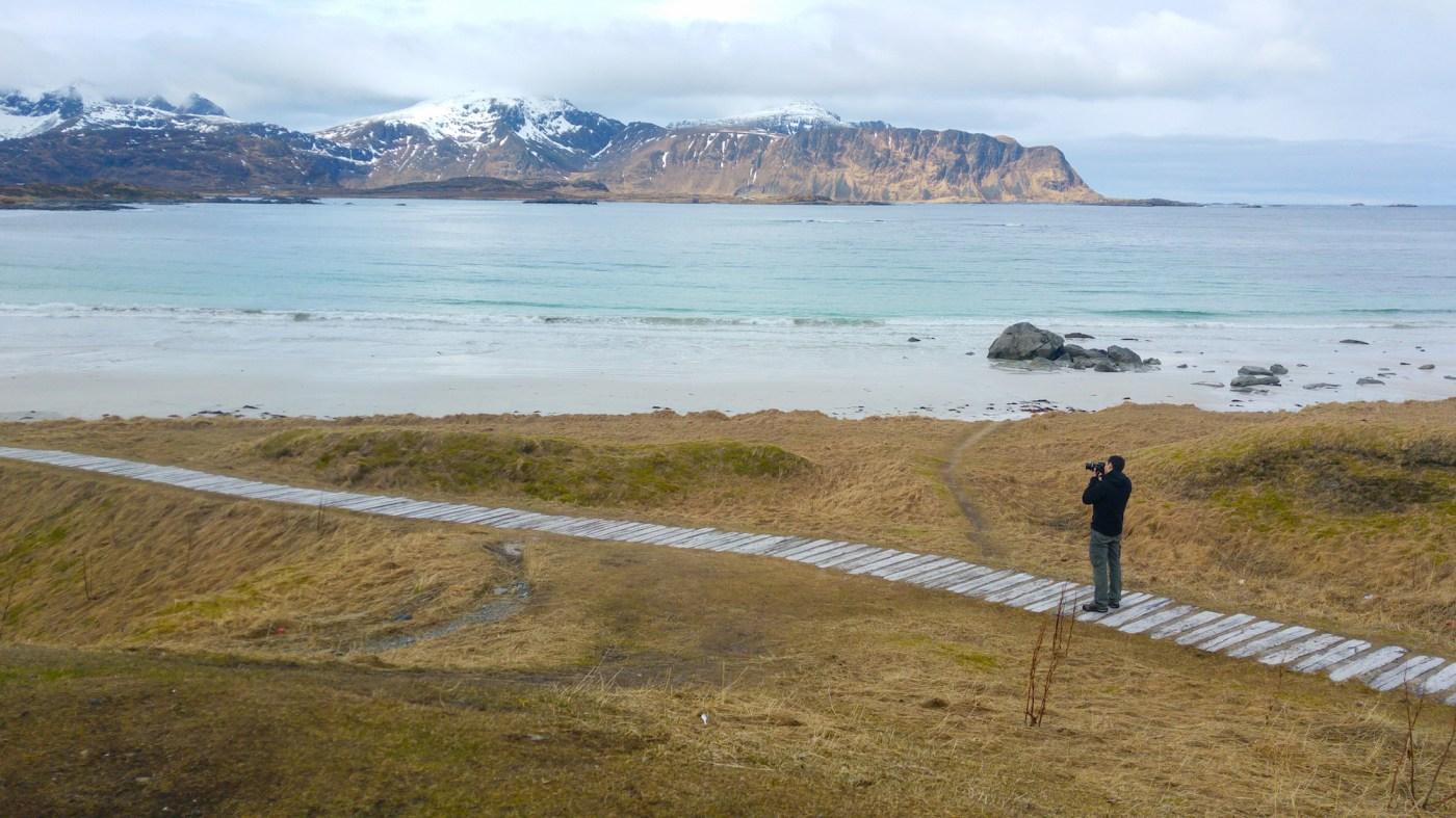 Voyager en Norvège avec un bébé et admirer des paysages somptueux