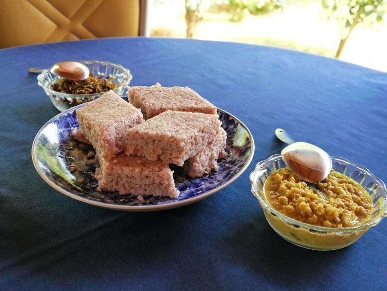 Un Rice&Curry, version Petit Déjeuner. C'est bizarre, mais ça passe bien finalement!