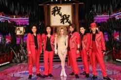 """Lady Gaga presenta """"Venus"""" y """"Applause"""" en programa japonés, 'SMAP X SMAP'"""