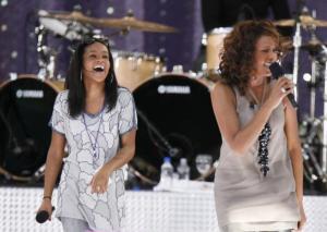 #NowNews: Hija de Whitney Houston abre los ojos