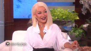#NowNews: Christina Aguilera le hace competencia a Ariana Grande durante el Show de Ellen DeGeneres