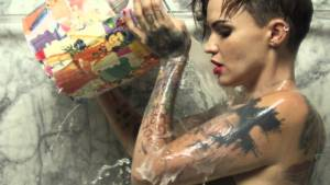 #Curiosidades: ¿Amas los tatuajes? Estas celebridades te muestran su lado mas íntimo