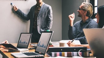 Podcast 32 Dlaczego ludzie zostają w firmach a dlaczego z nich odchodzą – Wyniki Raportu Employer Brand Research