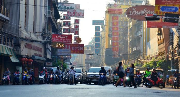 Bangkok chinatown yaowarat road quartier chinois noworries