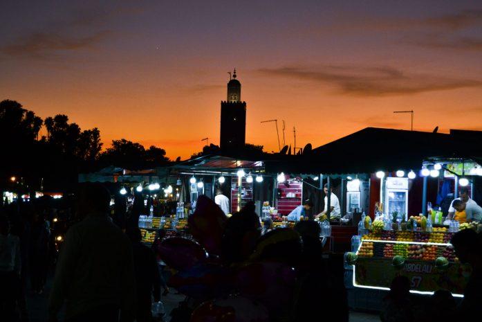 jemaa-el-fna-marrkech-place-maroc-noworries