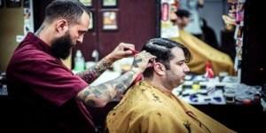 barbearias - A Volta das Barbearias à Moda Antiga Conquista Público Novo