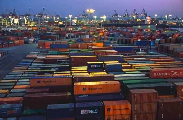 con503_VanCarrier+im+Containerfeld+abends_korr